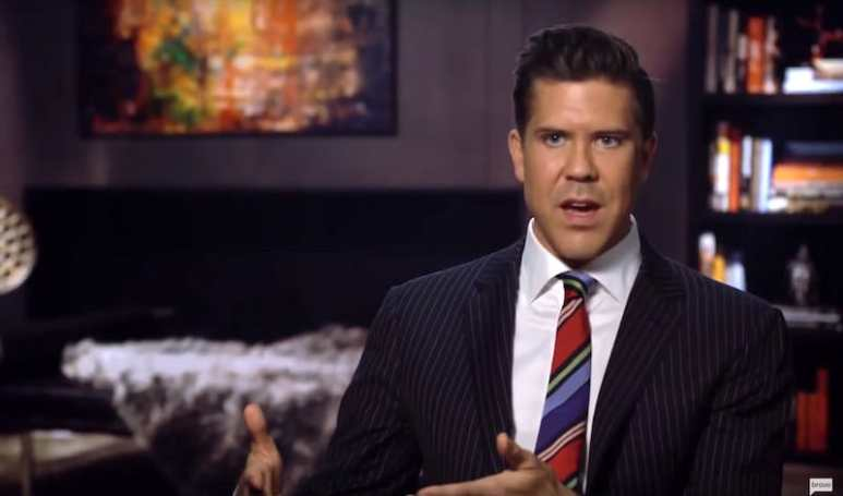 Fredrik Eklund speaking to the camera on Million Dollar Listing New York