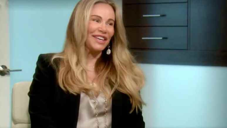 Tawny Kitaen talking to the doctors on Botched