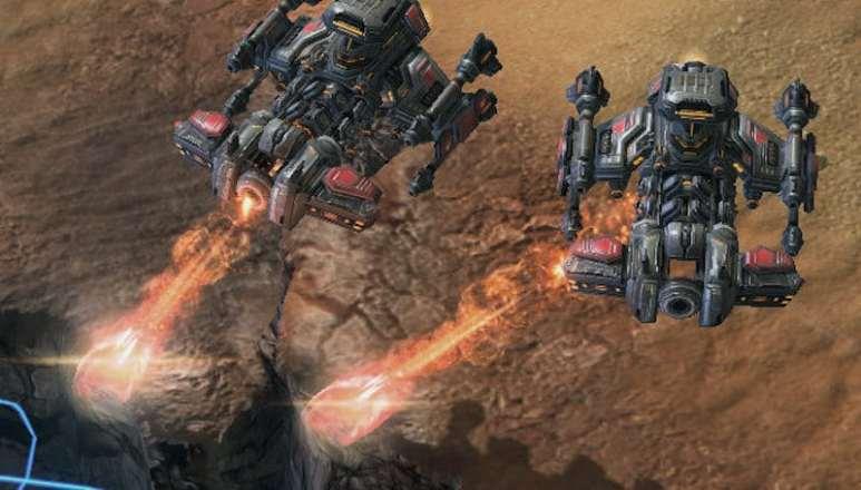 Firing the Yamato Cannon from a BattleCruiser in StarCraft
