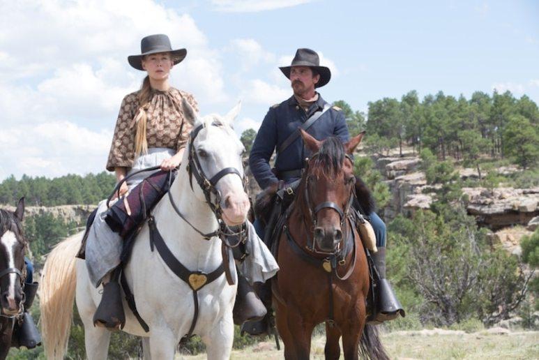 Hostiles - Rosamund Pike and Christian Bale