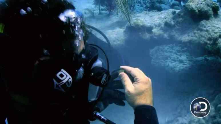 An underwater dive and treasure hunt on Cooper's Treasure