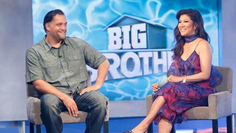 Julie Chen talking with Steve Arienta after his eviction