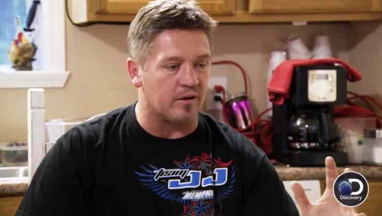 JJ Da Boss talks to Doughboy about street racing on Street Outlaws: Memphis