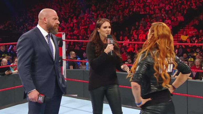 Becky Lynch knee injury plus where Becky Lynch is from