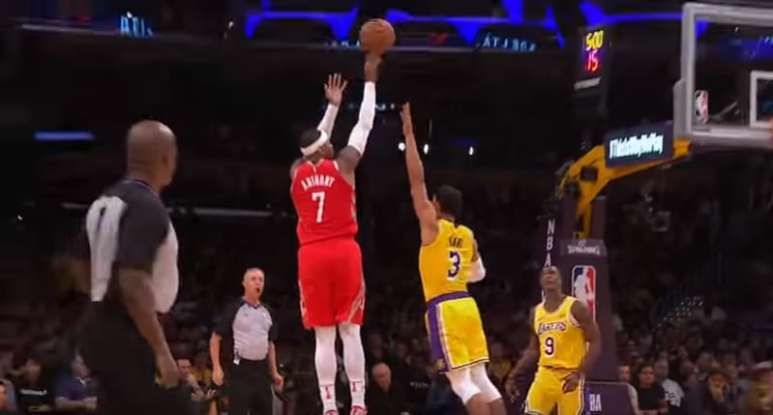 Carmelo Anthony playing for Rockets against L.A. Lakers