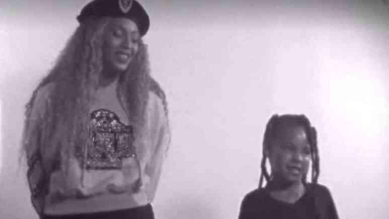 Beyonce singing on Homecoming