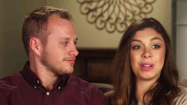 Josiah and Lauren during a Counting On confessional.
