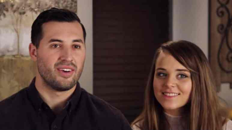 Jinger and Jeremy during a Counting On confessional.