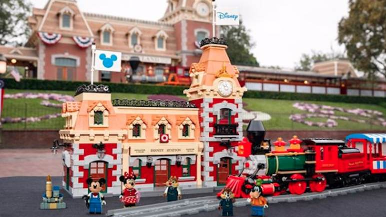 first look at new lego 71044 disney train and station set