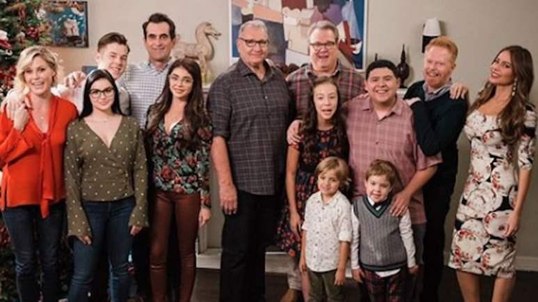 modern family cast will return for season 11