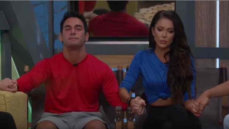 Holly And Tommy BB21
