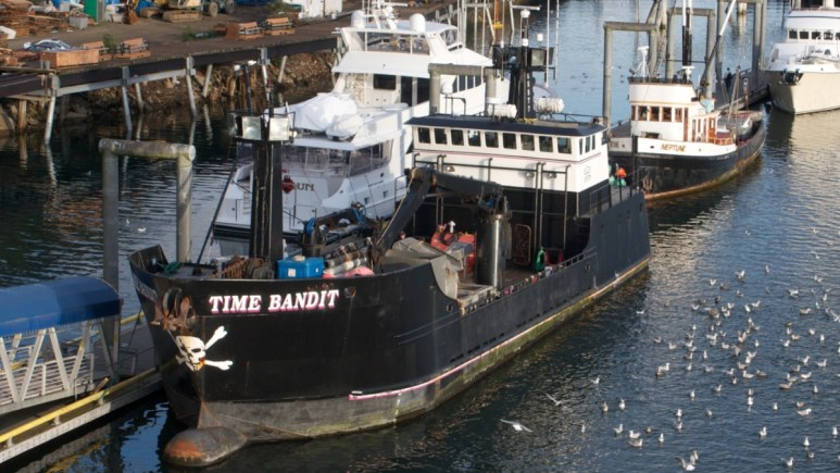 """Time Bandit close up and docked. Pic credit: Jay Galvin from Pleasanton, CA, USA - """"Time Bandit"""" from Deadliest Catch, CC BY 2.0, https://commons.wikimedia.org/w/index.php?curid=79536832"""