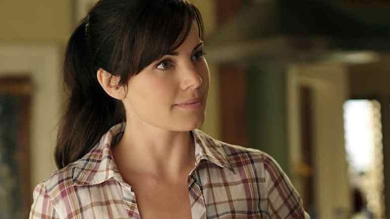 Erica Durance as Lois Lane on Smallville.