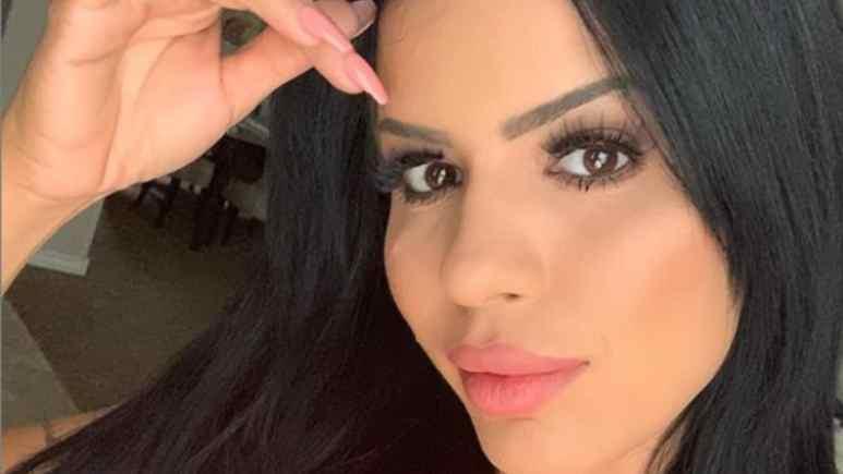 Larissa Lima headshot