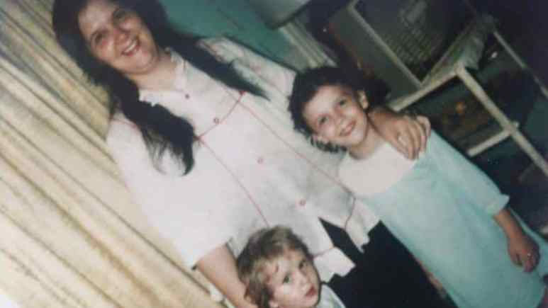 JoAnn Tate with her daughters Melissa and Renee