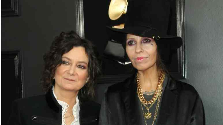 Sara Gilbert and Linda Perry are ending their marriage.