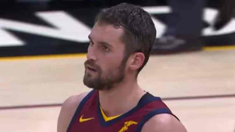 cleveland cavaliers star forward kevin love