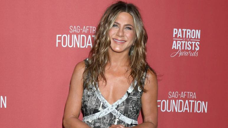Jennifer Aniston at the 4th Annual Patron of the Artists Awards, at Wallis Annenberg Center for the Performing Arts
