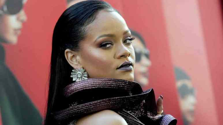 Rihanna and Kim Kardashian hype lingerie lines on Instagram.