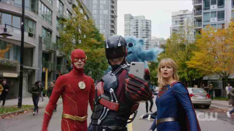 Ray takes a selfie with Barry, Kara, and Beebo. Pic credit: The CW