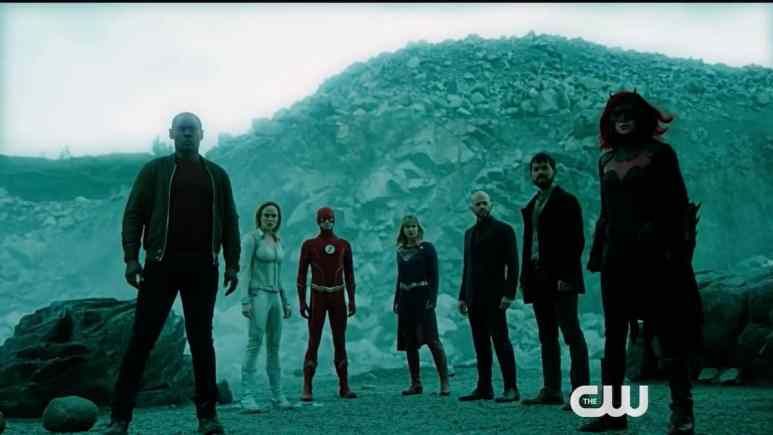 The multiverse's great heroes and Lex Luthor face down the Anti-Monitor. Pic credit: The CW