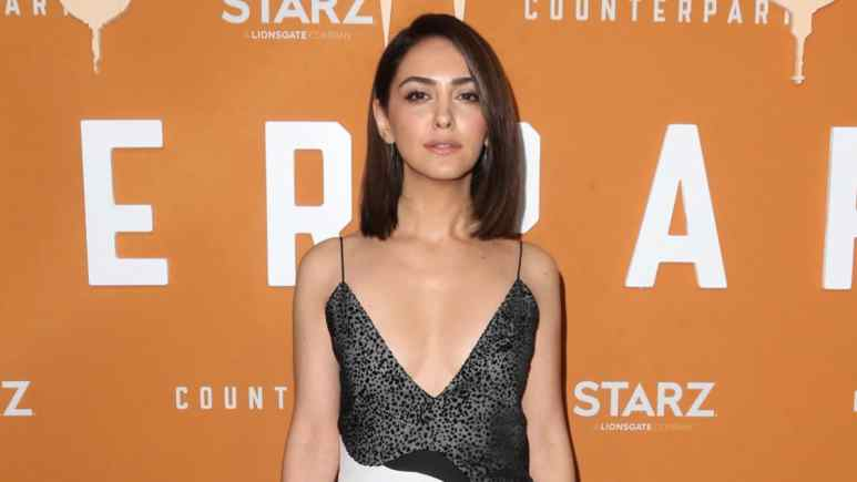 Nazanin Boniadi posing on the red carpet