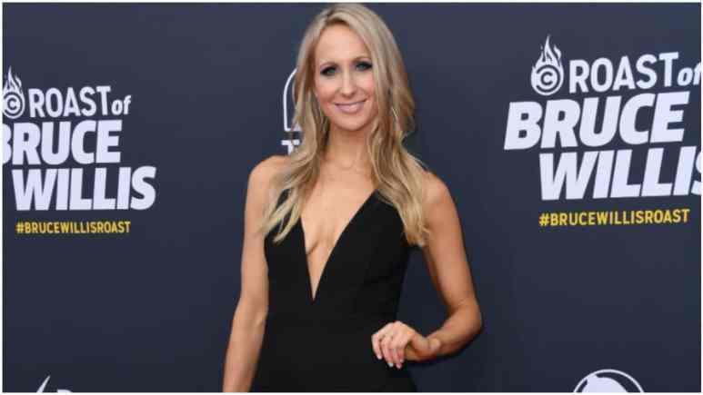 Nikki Glaser apologizes to Taylor Swift for comments in Netflix's Miss Americana