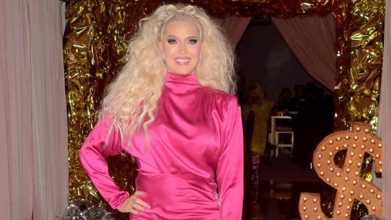 Erika Jayne earns praise for Instagram pic from Naomi Campbell