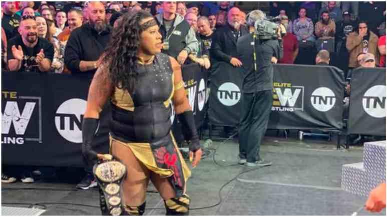 Nyla Rose beats Riho for AEW Women's Championship on AEW Dynamite