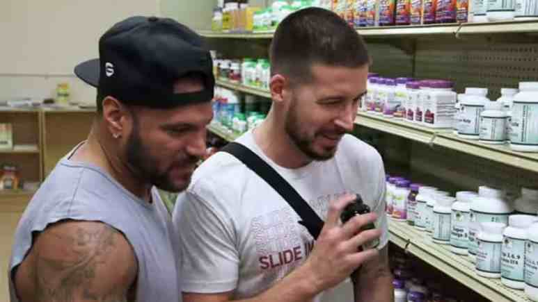 Ronnie and Vinny browse for supplements for Mike