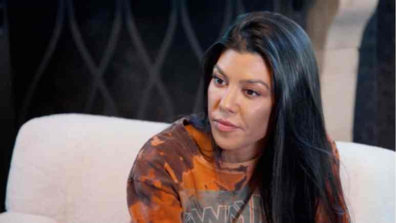 Kourtney Kardashian is filming KUWTK.