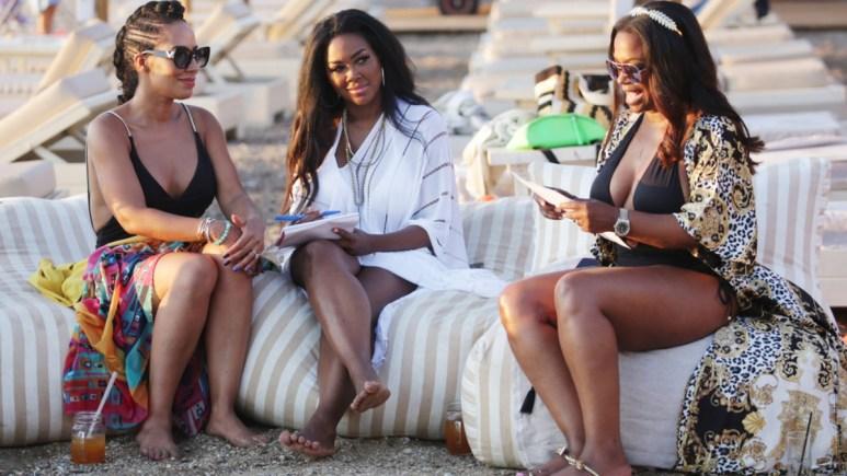 Tayna Sam, Kenya Moore, Kandi Burruss enjoy the beach in Greece