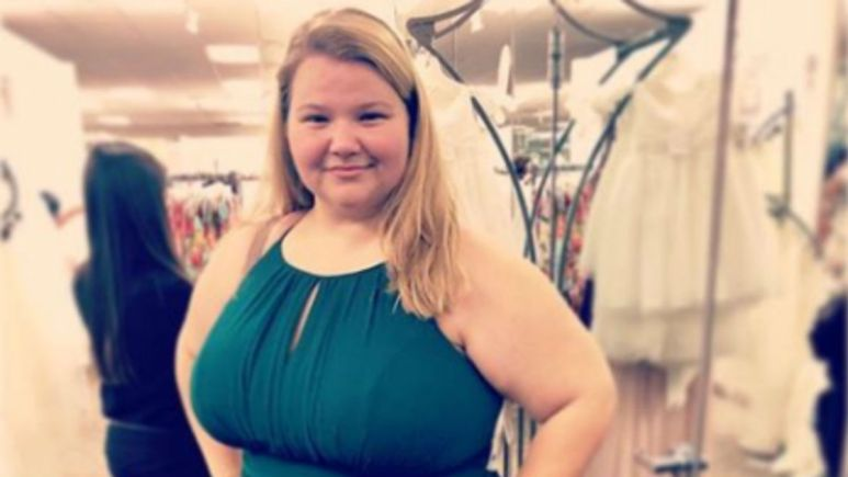 90 Day Fiance fans blast Nicole Nafziger for leaving May for months.