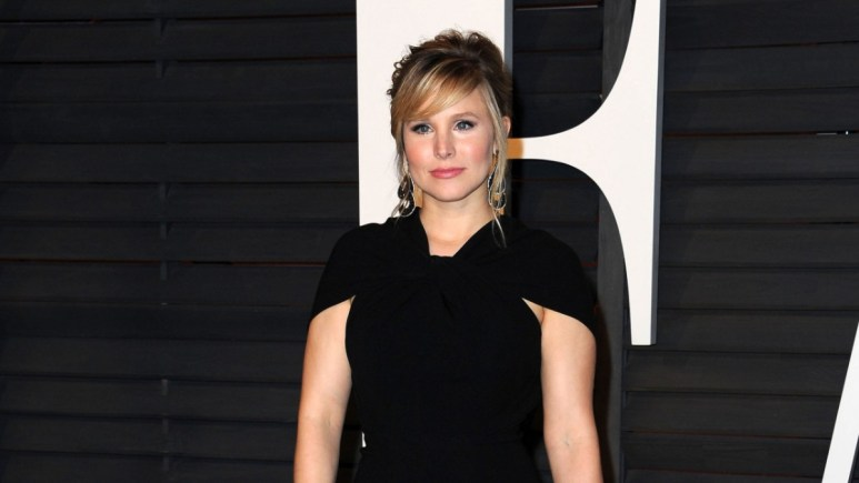 Kirsten Bell on the red carpet