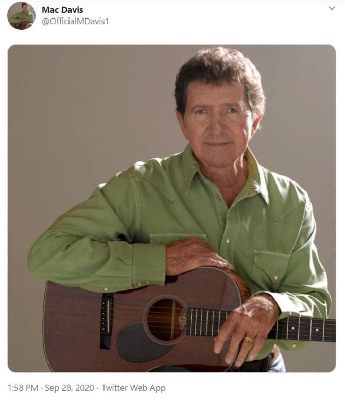 Country singer Mac Davis