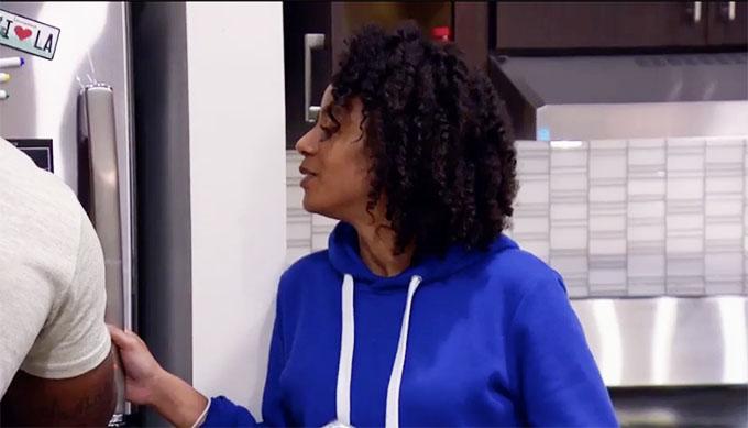 MAFS Season 11 Karen looking at what Miles wrote on refrigerator