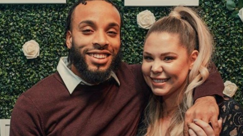 Kailyn Lowry poses with Chris Lopez who has his arm around her