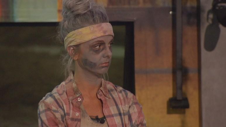 Nicole Franzel As Zombie