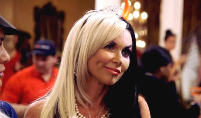leeanne locken dressed up as a two faced stephanie halloween