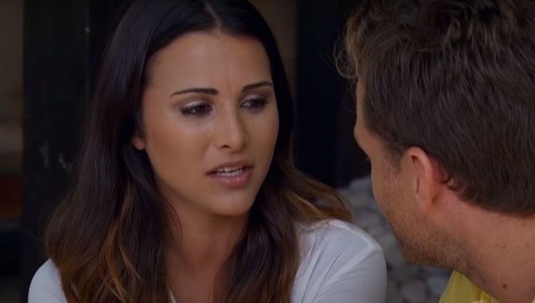 Andi Dorfman looks angry as she talks to Juan Pablo Galavis