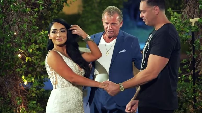 Angelina Pivarnick renews her vows on Jersey Shore Family Vacation