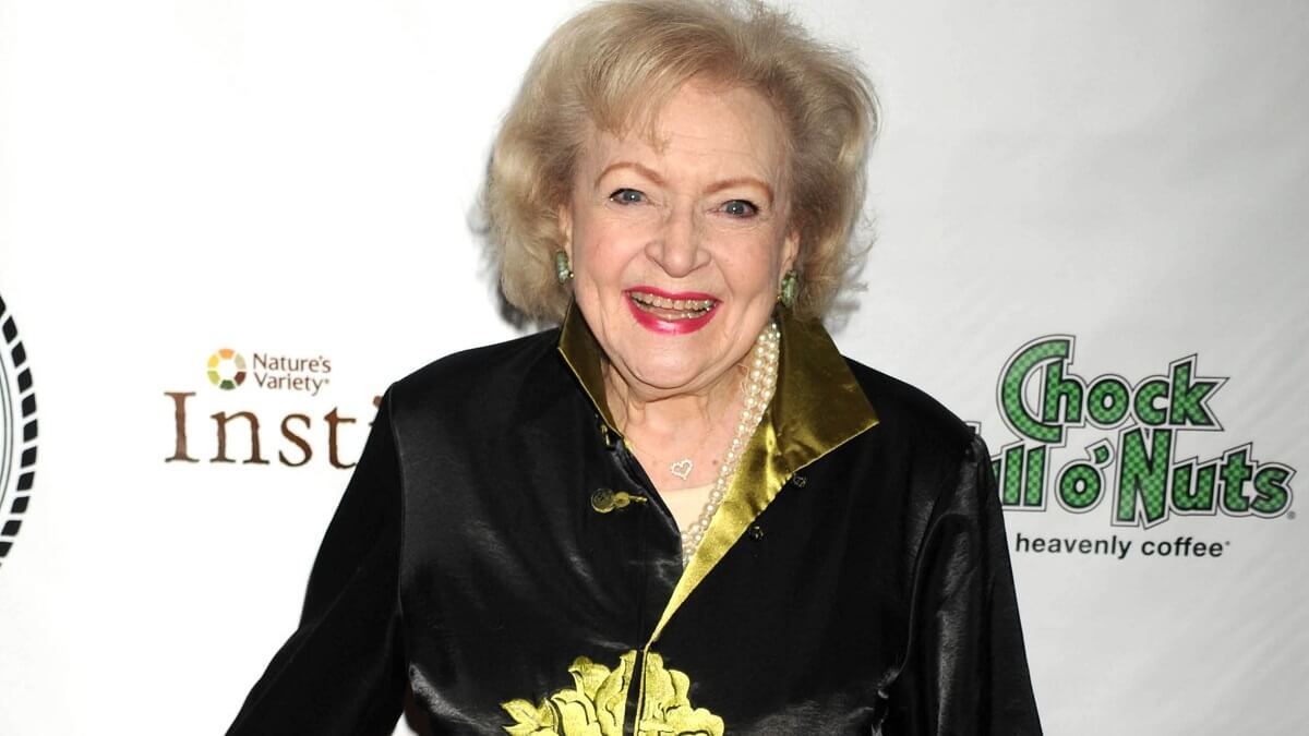 Betty White Marks Her 99th Birthday, Twitter Floods Her With Wishes