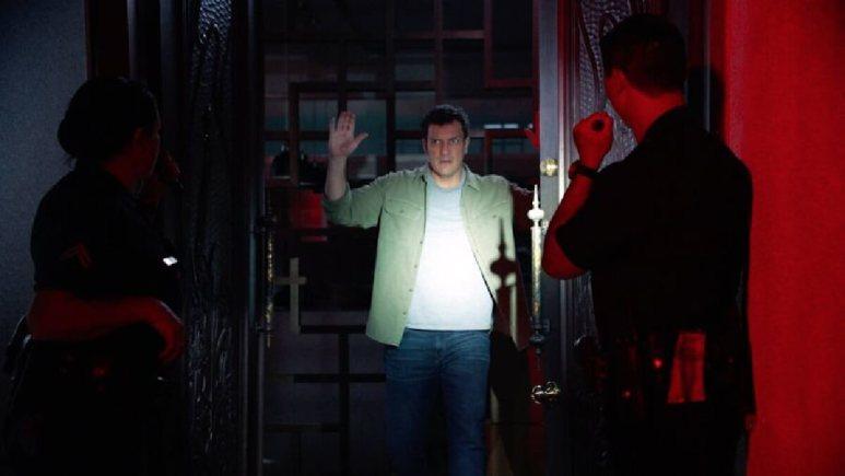Nolan decides to let the police arrest him
