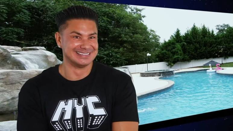 DJ Pauly D during an episode of Jersey Shore Family Vacation