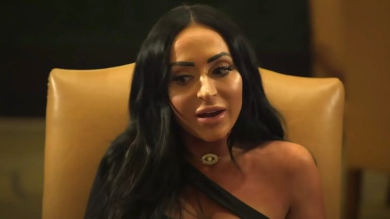 angelina pivarnick upsets jersey shore fans with clickbait pregnancy IG post story