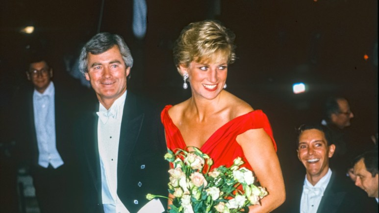 Princess Diana attends a glamorous function