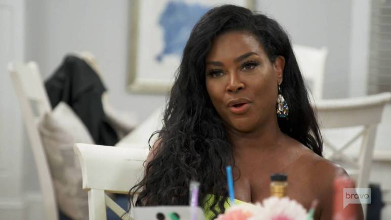 Kenya Moore may have be able to forgive and forget when it comes to Marlo Hampton.