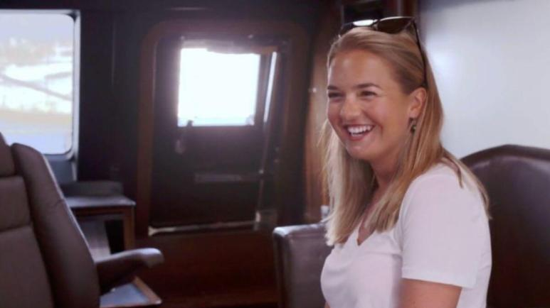 Daisy dishes hooking up on Below Deck Sailing Yacht