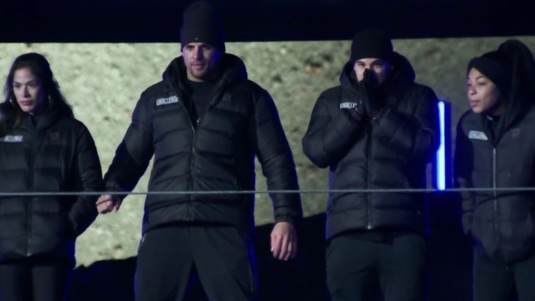competitors at the crater on the challenge double agents episode 15