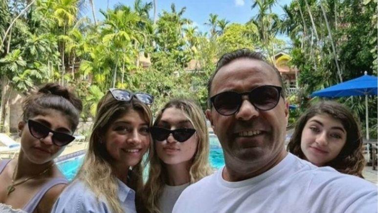 Joe Giudice and his four daughters